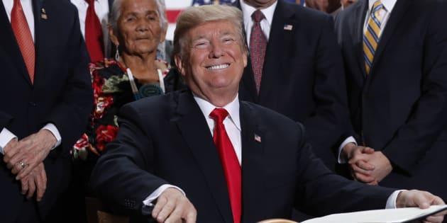 Avec sa réforme fiscale, Donald Trump réussit à saboter l'Obamacare