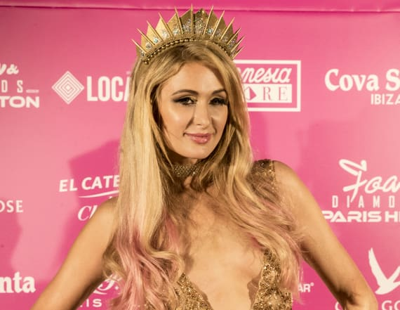 Paris Hilton has the best Twitter account of 2017