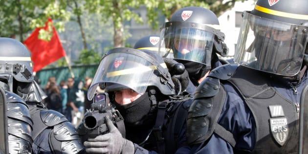 """Collomb promet """"encore plus de forces de l'ordre"""" pour les prochains 1er mai"""