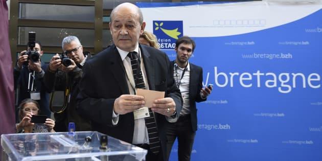 Le Drian renonce la présidence de la région Bretagne, comme le demandait Macron