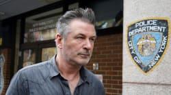 Alec Baldwin interpellé après avoir frappé et envoyé un homme à