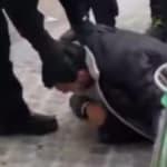 Un collaborateur de Macron identifié en train de frapper un manifestant le 1er mai à