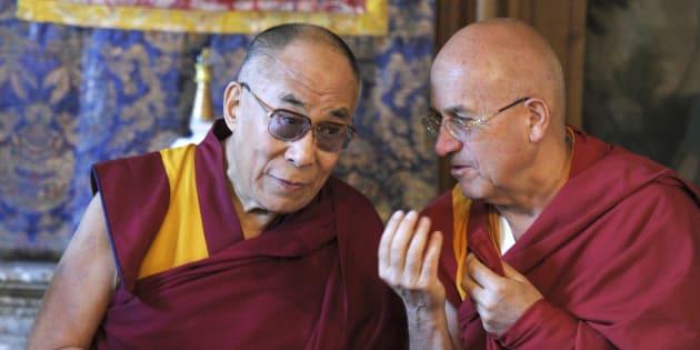La question qui fâche du HuffPost à Matthieu Ricard sur Franceinfo (Matthieu Ricard et le Dalai Lama en 2012)