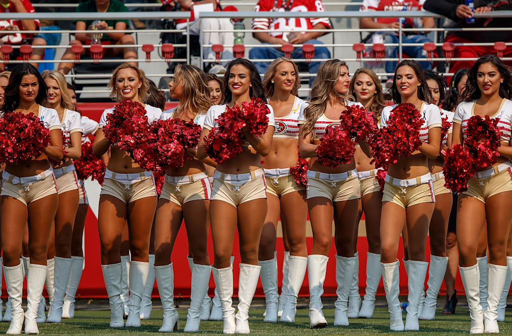 48dac2c3c A San Francisco 49ers cheerleader took a knee during the national anthem prior  to Thursday s game against the Oakland Raiders.