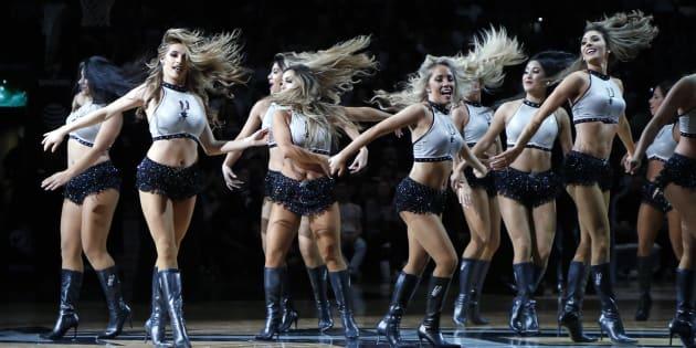La troupe des Silver Dancersa été formée en 1991.