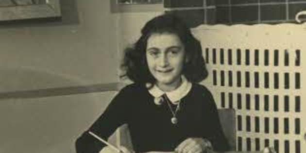 Ana Frank en 1940, en el Montessorischool de Ámsterdam. Fotógrafo desconocido.