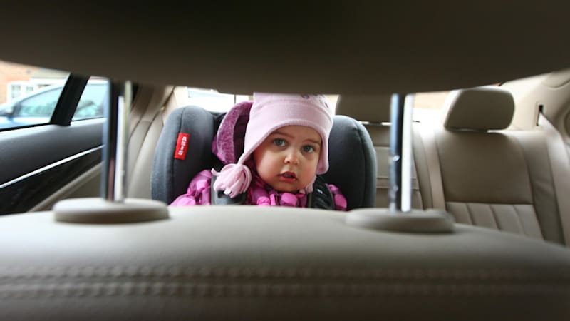 Congress considers mandating alerts that there's a child in the back seat
