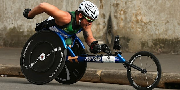 Kurt Fearnley has claimed the Oz Day 10k title for an 11th time.