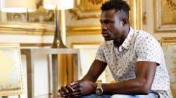 Mamoudou Gassama, el hombre que subió a un edificio para salvar a un niño es un