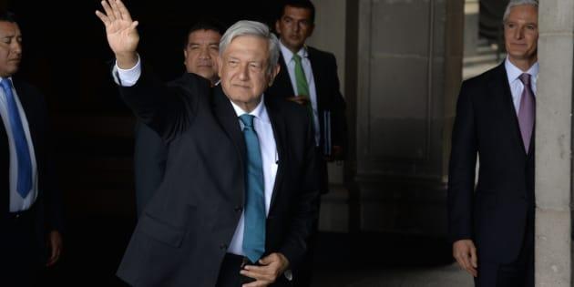 El presidente electo Andrés Manuel López Obrador sostuvo una reunión con el gobernador del Estado de México, Alfredo del Mazo Maza, en Palacio de Gobierno, para la presentación del programa de gobierno.