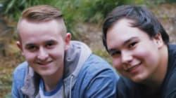 L'amico riceve una diagnosi terminale di cancro, lui rinuncia al college per aiutarlo a completare la lista di