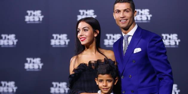 Cristiano Ronaldo, son fils Cristiano Ronaldo Jr et Georgina Rodriguez à Zurich le 9 janvier.