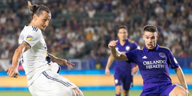 Zlatan Ibrahimovic au moment de son troisième but contre le club d'Orlando ce dimanche 29 juillet.
