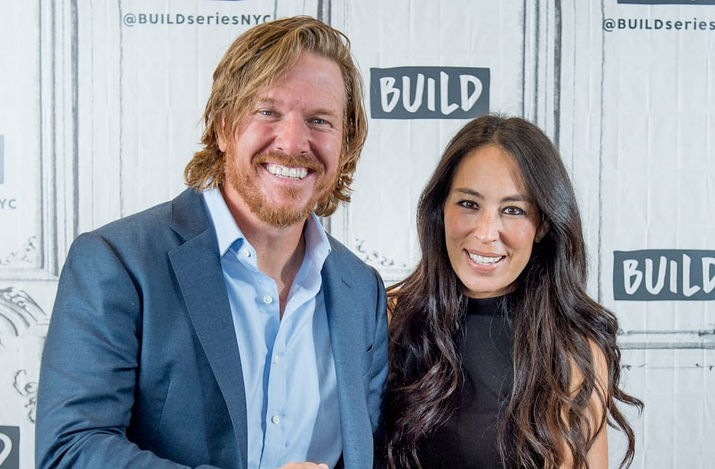 fixer upper star joanna gaines gives birth welcomes baby no 5 with husband chip aol. Black Bedroom Furniture Sets. Home Design Ideas