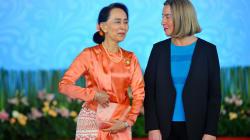 Oxford retira título a líder birmana por su