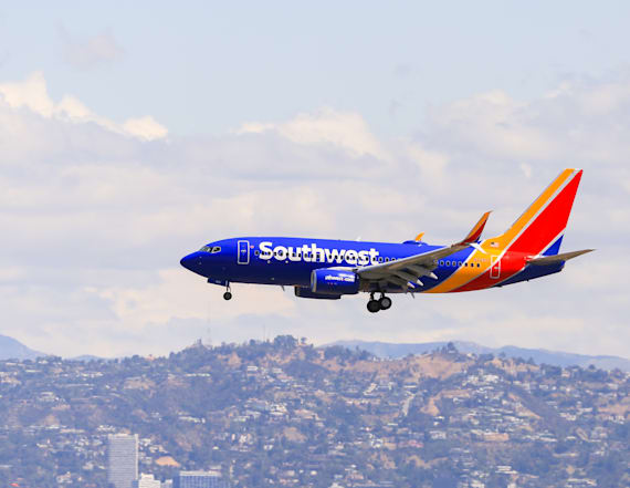 3-year-old with autism kicked off flight over mask