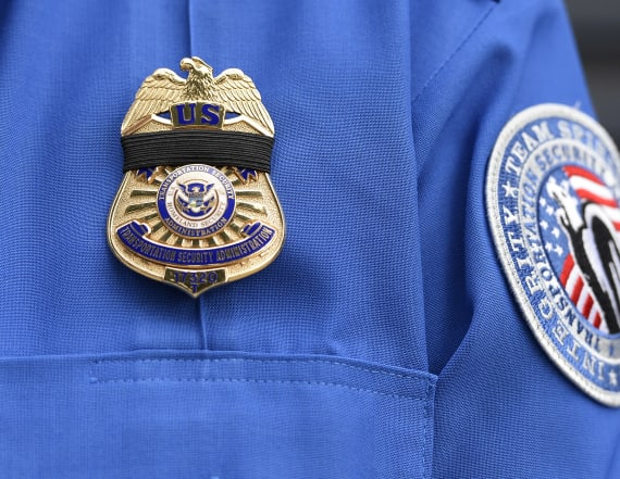 More than 1K TSA officials test positive for virus