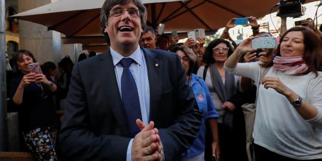 Carles Puigdemont prend un bain de foule à Gérone le 28 octobre.