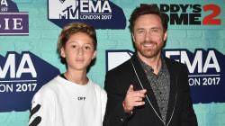 David Guetta était accompagné de son fils sur le tapis rouge des MTV
