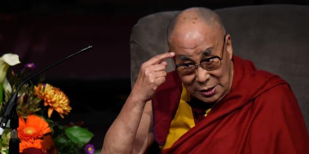 Dalai Lama reflete sobre ética e religião.