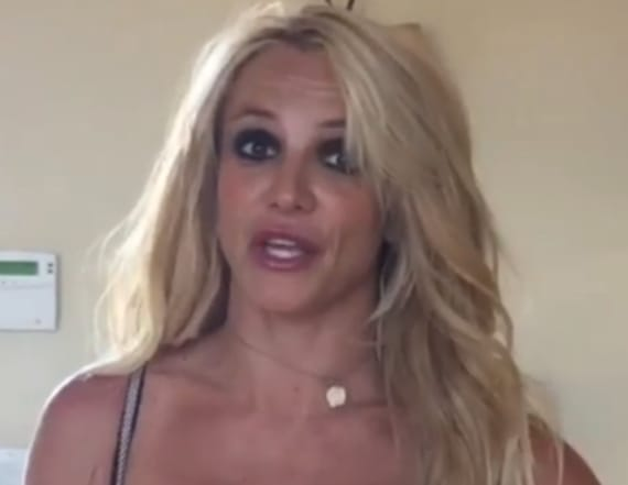 Britney Spears flaunts cleavage in push up bra