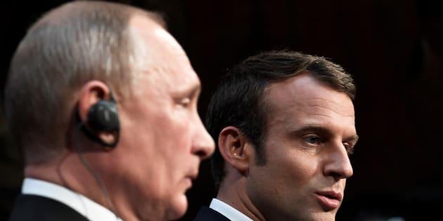 Emmanuel Macron et Vladimir Poutine lors d'une conférence de presse à Versailles le 29 mai 2017.