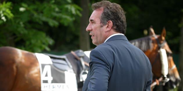 """Mais pourquoi François Bayrou a-t-il dit: """"la fertilisation des juments par des étalons n'est pas un problème de vie publique""""?"""