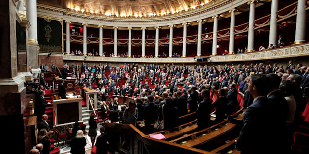 Plus de 1400 assistants parlementaires ont été licenciés après les législatives.