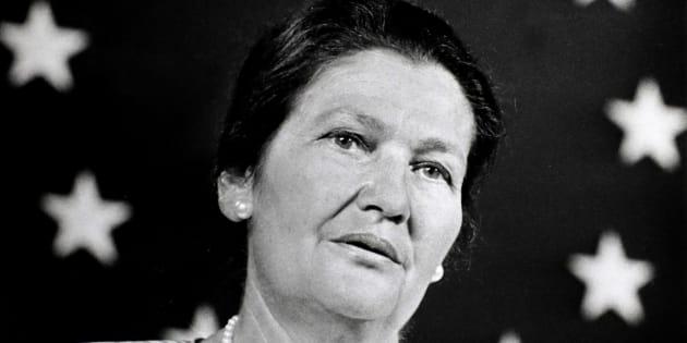 Simone Veil a humanisé la politique, réputée par sa violence congénitale et son intransigeance partisane.