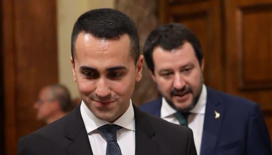 FESSI, BUGIARDI O DISTRATTI - Salvini ,