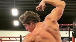 Le fils d'Arnold Schwarzenegger recrée cette célèbre pose de son