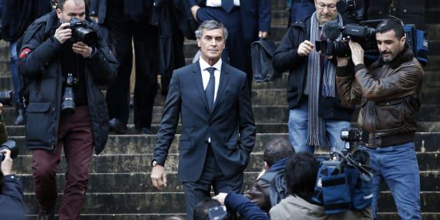 L'ancien ministre du Budget Jérôme Cahuzac sur les marches du palais de justice le premier jour de son procès à Paris, le 8 février 2016.