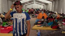 Caravana migrante aguarda en CDMX; anuncian reunión con
