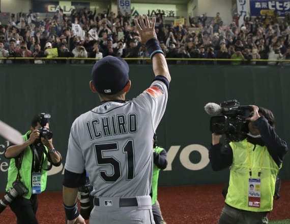 Ichiro goes out in style, retires after Japan series