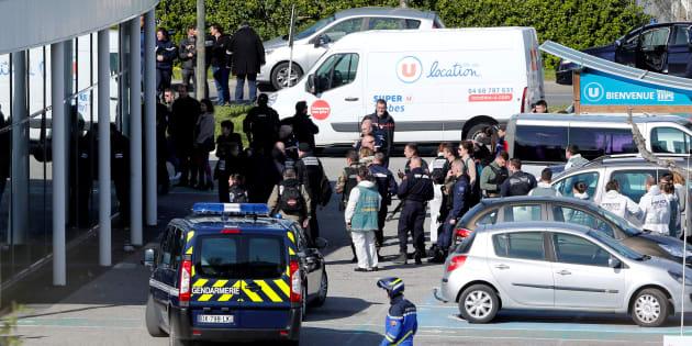 Arnaud Beltrame serait mort en tentant de désarmer le preneur d'otages