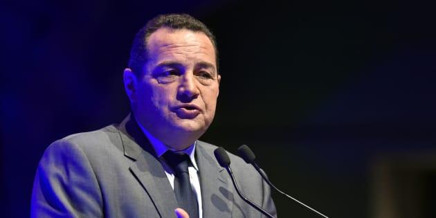 Double polémique en deux jours pour Jean-Frédéric Poisson à qui l'on reproche un discours de plus en plus à droite.