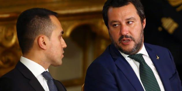 """Noi eletti, lui no. Assedio politico a Giovanni Tria, """""""