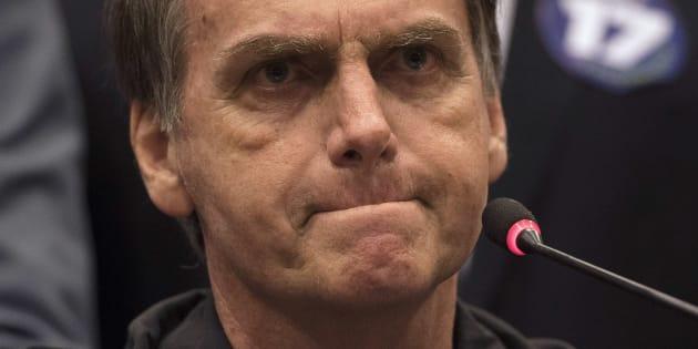 """O jornal afirma que o candidato é um brasileiro de extrema-direita com """"posicionamentos repulsivos"""" e lembra episódios de homofobia, machismo e racismo."""