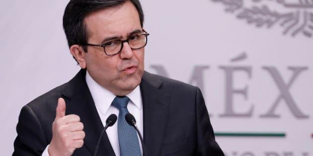 El secretario de Economía, Ildefonso Guajardo, dijo que buscaron no afectar a los consumidores mexicanos con la medida.