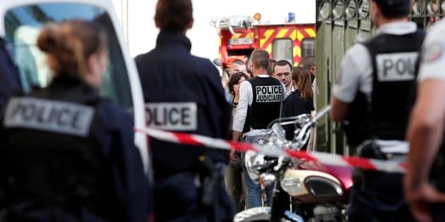 Francia, 200mila firme per togliere stipendio e staff a Brigitte Macron