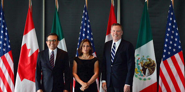Minister of Foreign Affairs Chrystia Freeland meets for a trilateral meeting with Mexico's Secretary of Economy Ildefonso Guajardo Villarreal, left, and Ambassador Robert E. Lighthizer, United States Trade Representative, during the final day of the third round of NAFTA negotiations at Global Affairs Canada in Ottawa on Sept. 27, 2017.