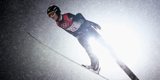 Ramona Straub, de l'Allemagne, au troisième jour de compétition en saut à ski.