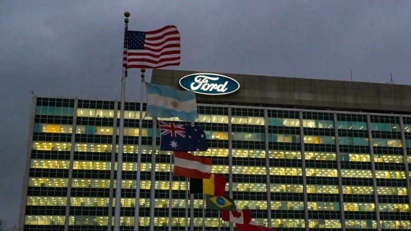 Ford verzögert Rückkehr ins Büro, erwägt Impfstoffmandat€