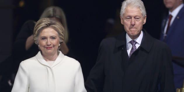 """Hillary Clinton difende il marito. """"Nessun abuso di pot"""