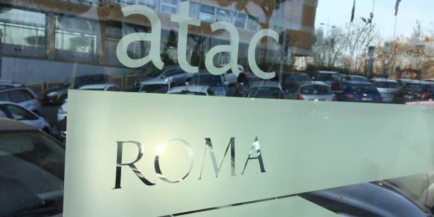 Roma, Raggi: Atac chiude 2016 con patrimonio netto negativo