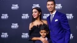 Ronaldo et sa nouvelle copine officialisent devant les