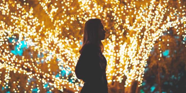 La época navideña puede ser muy difícil para personas que hayan tenido una pérdida reciente o están lejos de su familia.