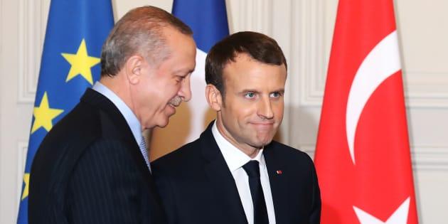 Frappes en Syrie: Emmanuel Macron contredit par deux fois par la Turquie