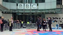 Si tagliano lo stipendio per solidarietà con le colleghe: i giornalisti della Bbc contro la disparità di