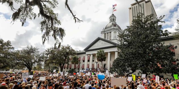 Desde hace semanas se han manifestado padres y estudiantes en la Cámara de Representantes de Florida.